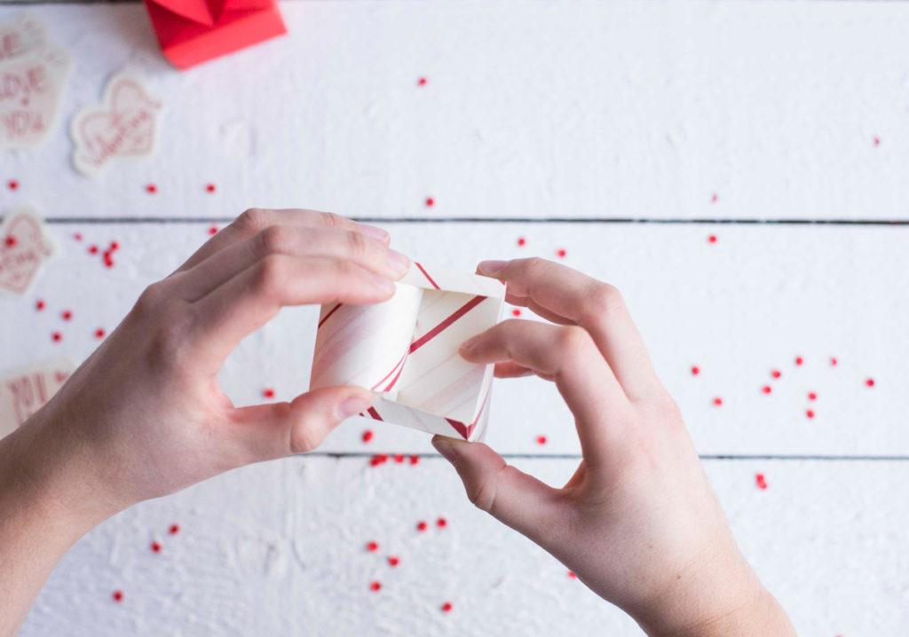 valentinstag herzbox